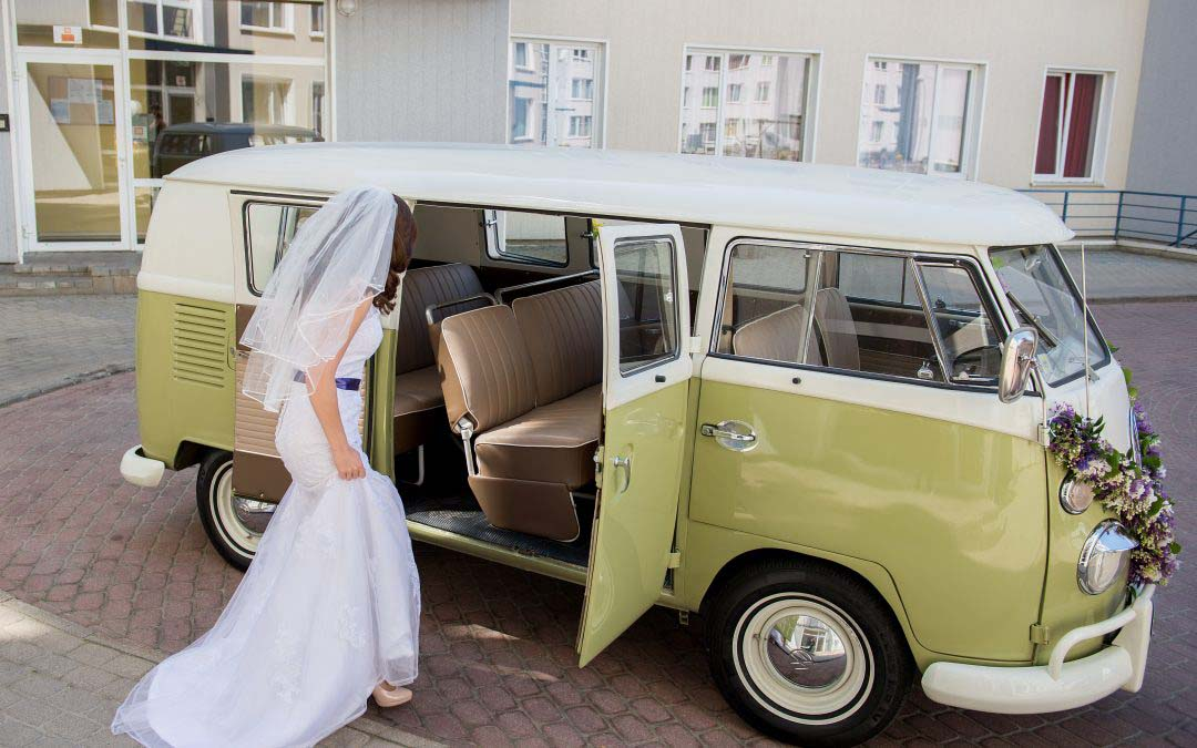 Choosing Your Wedding Carriage